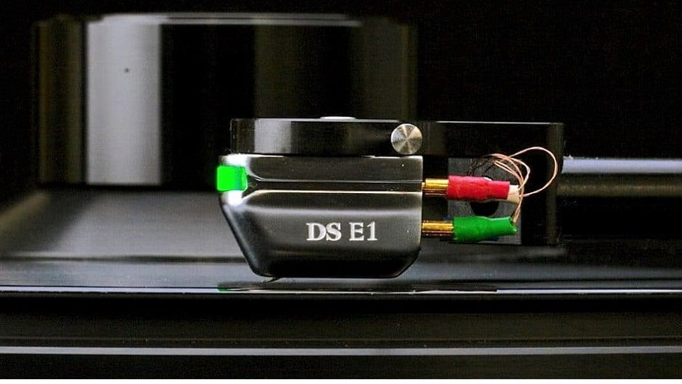 DS Audio E1 optical and Hana MC cartridge