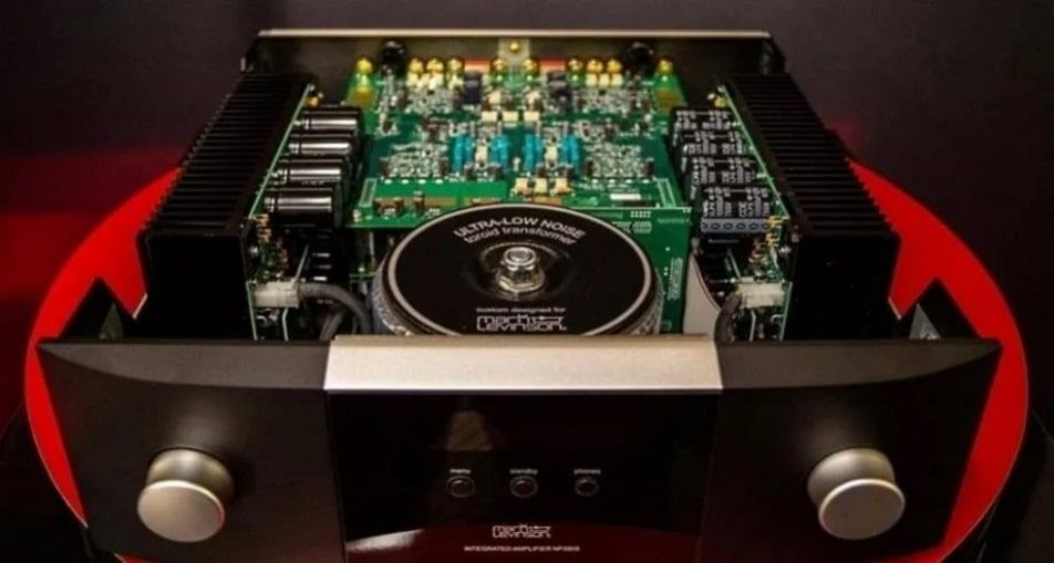 Mark Levinson 5805 integrated amplifier